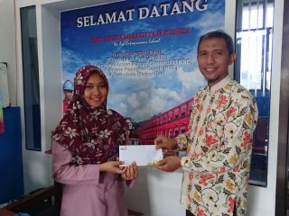 Lazismu Pekalongan Bantu Renovasi Masjid Jenderal Soedirman SMK Musi 10 Juta