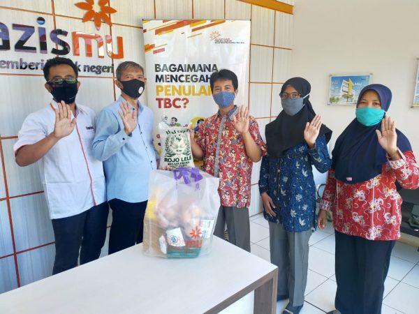 Ibarat Sudah Jatuh Tertimpa Tangga, Lazismu Pekalongan Bantu PMT Pasien TB MDR