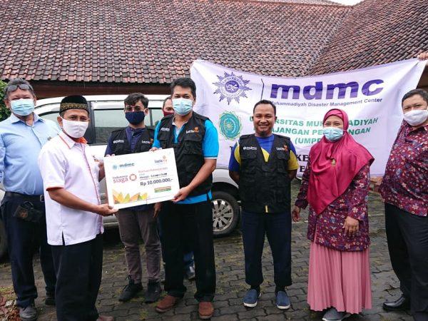 Lazismu Salurkan Bantuan Saat Pemberangkatan Relawan MDMC UMPP ke Mamuju